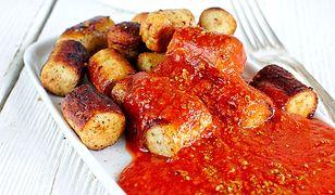 Niemieckie kiełbaski z curry