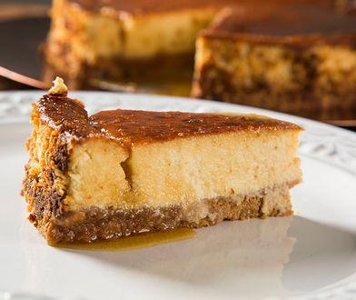 Popularne ciasta na Boże Narodzenie to m.in. makowiec, sernik czy piernik, ale możemy zdecydować się również na wypieki odbiegające od tradycji