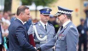 Prezydent Andrzej Duda oraz inspektor Paweł Dobrodziej