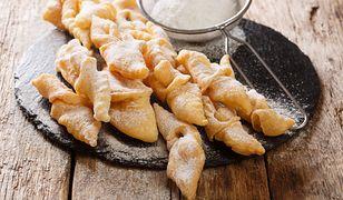 Jak zrobić faworki? Przepis na tradycyjne ciastka na Tłusty Czwartek