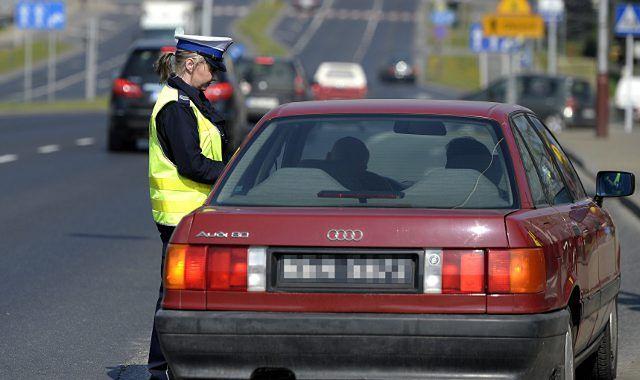 Mazowieccy policjanci zatrzymują prawa jazdy