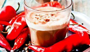 Kawa ze szczyptą chili - działa lepiej niż drogie środki na odchudzanie.