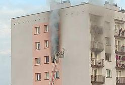 Śląskie. Tragiczny pożar w Mysłowicach. Płomienie buchały z okna w bloku