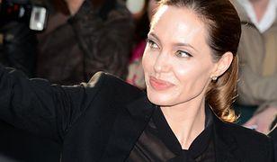 Angelina Jolie profilaktycznie usunęła piersi i jajniki