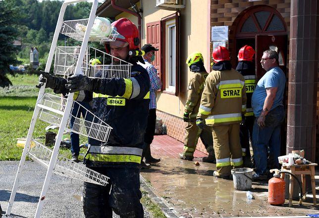 Burze, ostrzeżenia IMGW i RCB. Trudna sytuacja na Podkarpaciu i w Małopolsce
