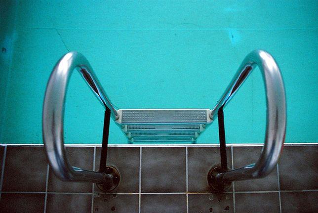 Jednemu dziecku udało się opuścić basen