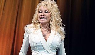 Dolly Parton wspiera lekarzy. Przekazała fortunę na walkę z koronawirusem