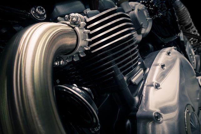 Niemal wszystkie motocykle napędzane są wolnossącymi benzyniakami