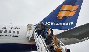 Lot obsługiwany przez maszynę należącą do linii Icelandair miał numer FI1455