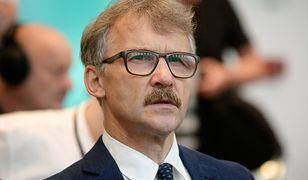 Uchwała została podpisana przez przewodniczącego Krajowej Rady Sądownictwa sędziego Leszka Mazura