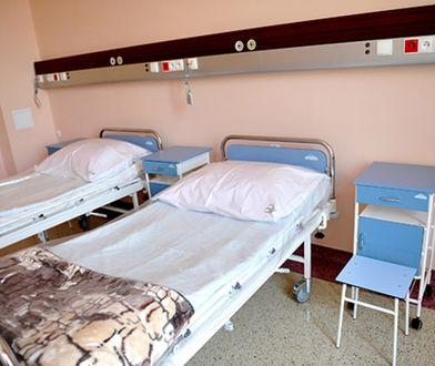 15 tys. łóżek zniknęło z polskich szpitali od początku 2019 roku