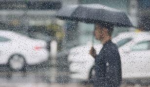 Pogoda. Opady deszczu. Uwaga na burze