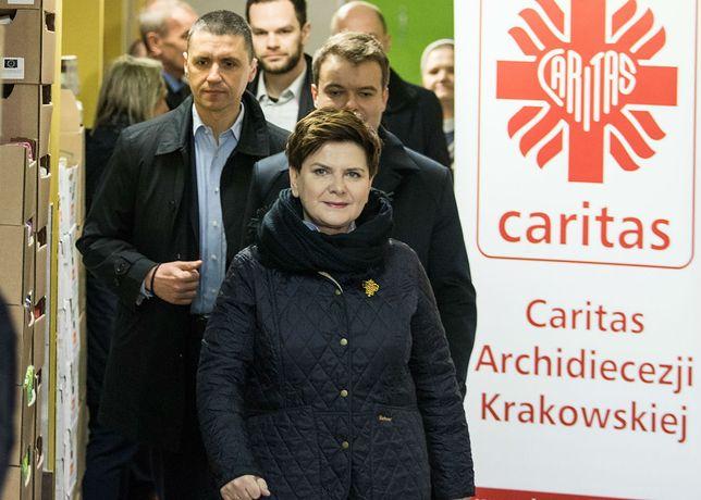 Nagroda, którą sama sobie przyznała Beata Szydło, zostanie przekazana na wyprawkę szkolną dla dzieci