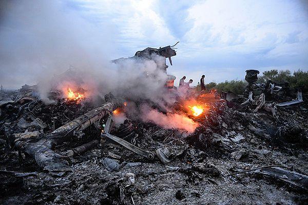Samoloty z ciałami ofiar katastrofy Boeinga 777 oczekiwane około godz. 16