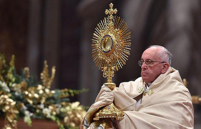Papież Franciszek: trzeba bronić biednych, a nie bronić się przed nimi