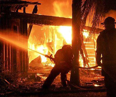 Tragiczny pożar w Komorowie koło Pruszkowa. Nie żyją 3 osoby