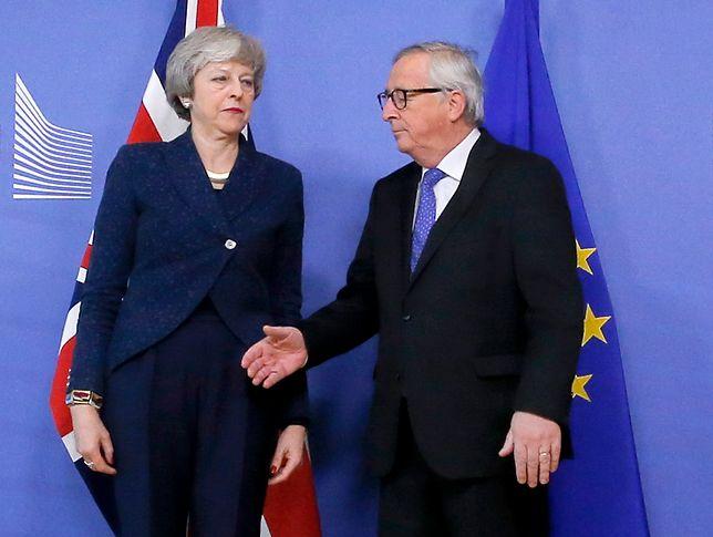 Theresa May i Jean-Claude Juncker spotkali się w Brukseli