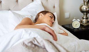 Dłuższy sen sprzyja udarom