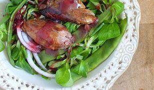 Sałatka z kaczką w wiśniowym winegrecie z olejem rzepakowym