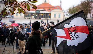 Próba kradzieży pod Sejmem. Strażnik potraktowany gazem pieprzowym