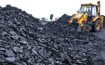 Rząd walczy z mafią węglową