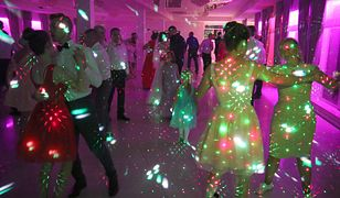 Policja wkroczyła na wesele. Funkcjonariusze wylegitymowali gości
