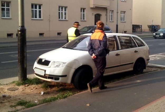 Straż miejska uszczelnia strefę parkowania w Poznaniu. Radny ze Starego Miasta: to pozoranctwo