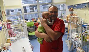 """Dzieci bez opieki lekarskiej? """"Potrzeba cztery razy więcej pediatrów"""""""