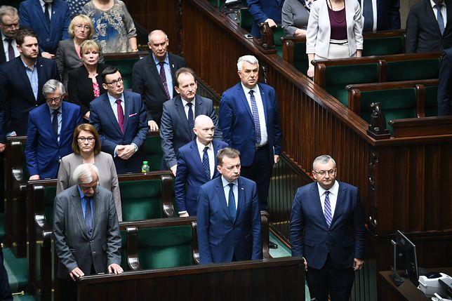 PiS wymaga odpowiedniego zachowania od parlamentarzystów. Jest projekt