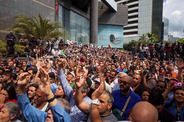 Wenezuela: Trwają ogromne protesty przeciw Nicolasowi Maduro. Zginęło 14 osób