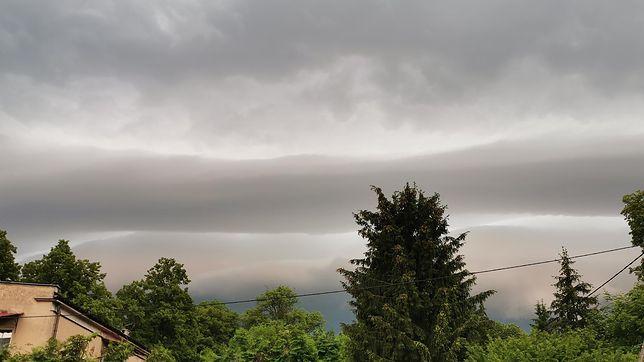 Niebezpieczna pogoda - IMGW ostrzega przed burzami