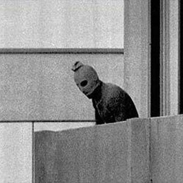 Jeden z terrorystów Czarnego Września podczas ataku w Monachium