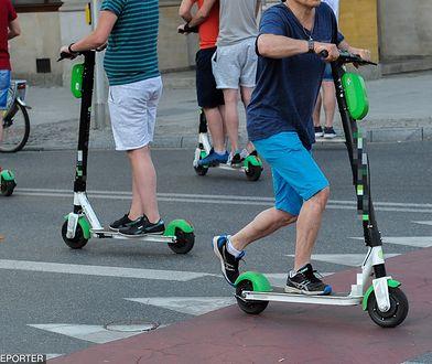 Elektryczne hulajnogi na ulicach Warszawy