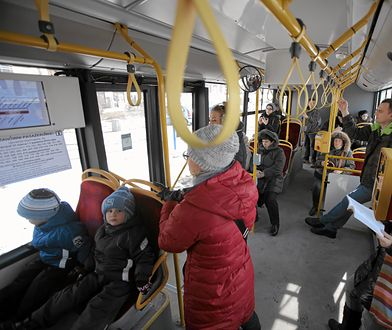 Warszawa. Kierowca jednego z autobusów kazał wysiąść matce z dzieckiem