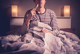 Pora jedzenia wpływa na jakość snu! Sprawdź, dlaczego tak się dzieje