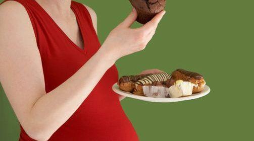 Podjadanie słodyczy w ciąży