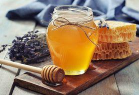 Miód naturalną receptą na wrzody i nie tylko. Dowiedz się, komu może pomóc