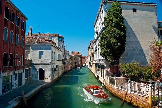 Spędź weekend w Wenecji. Zobacz, co oferuje oprócz przepłynięcia się gondolą