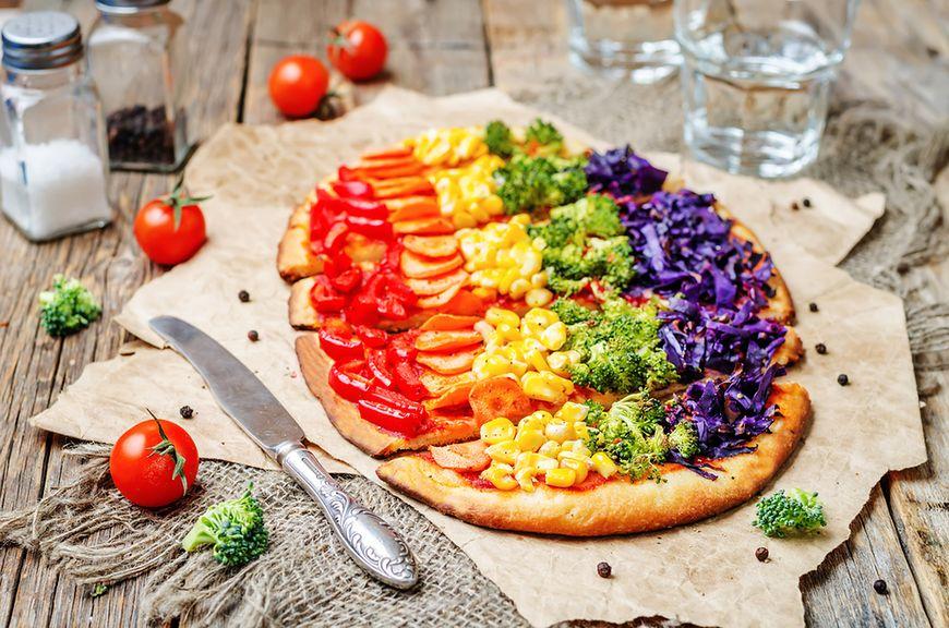 Szybki przepis na tęczową pizzę