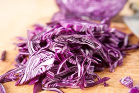 Jak przyrządzić sałatkę z czerwonej kapusty?
