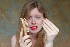 Wypróbuj 5 naturalnych metod na nadmierne wypadanie włosów