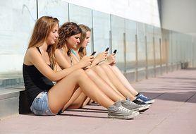 Nowe uzależnienie wśród młodzieży powoduje coraz więcej wypadków