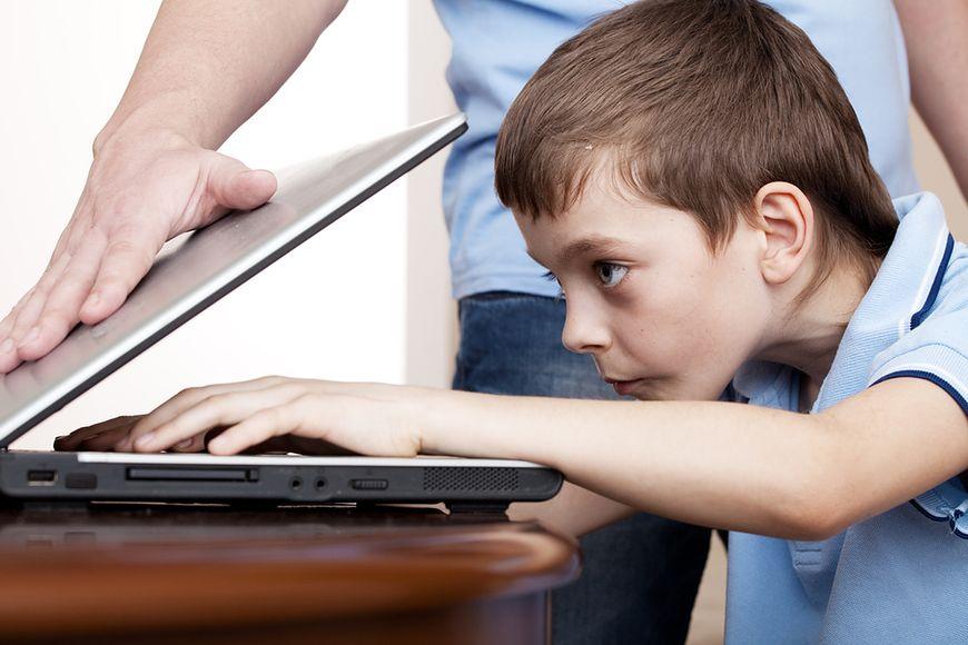 Jak bardzo rodzic powinien ingerować w to, w jaki sposób dziecko korzysta z technologii?