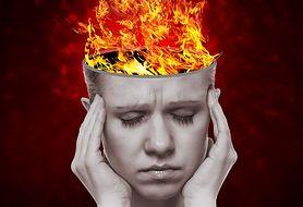 Odpowiednie nawodnienie lub przekąska, czyli potwierdzone sposoby na ból głowy