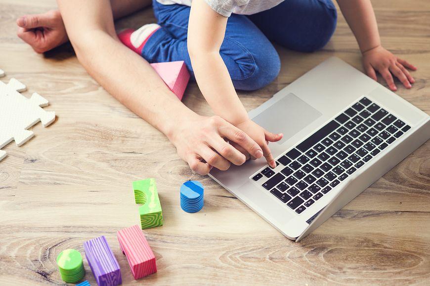 Co rodzic może zrobić, aby czas spędzony z tabletem czy smartfonem był dla dziecka korzystny, a nie stracony?