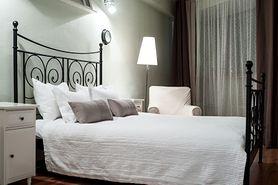 Łóżko do sypialni, czyli tworzymy centrum wypoczynkowe