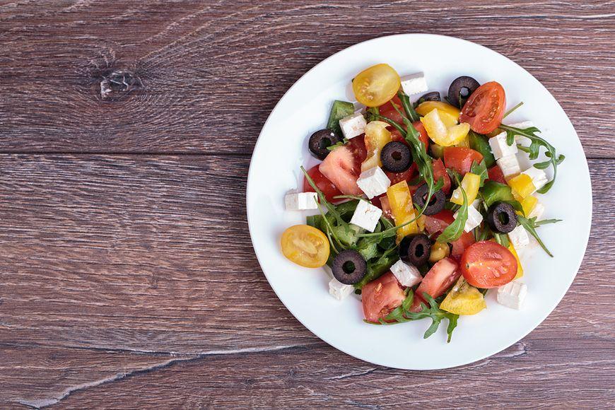 Sałata i beztłuszczowe sosy
