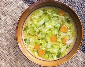 Poznaj przepis na odchudzającą zupę z kapusty