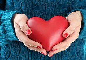 6 nietypowych objawów zawału serca. U kobiet nie są takie oczywiste