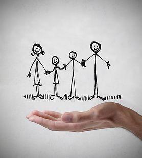 Skąd się biorą różnice między rodzeństwem? To może być wina rodzica